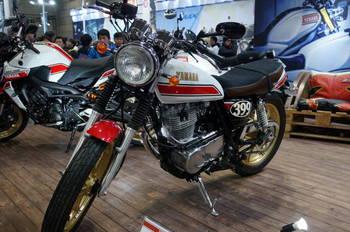 09 Yamaha SR400 Authentic外装.JPG
