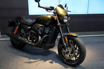16 Harley Davidson.JPG